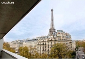 Франция.Париж.Квартира с видом на Эйфелеву башню